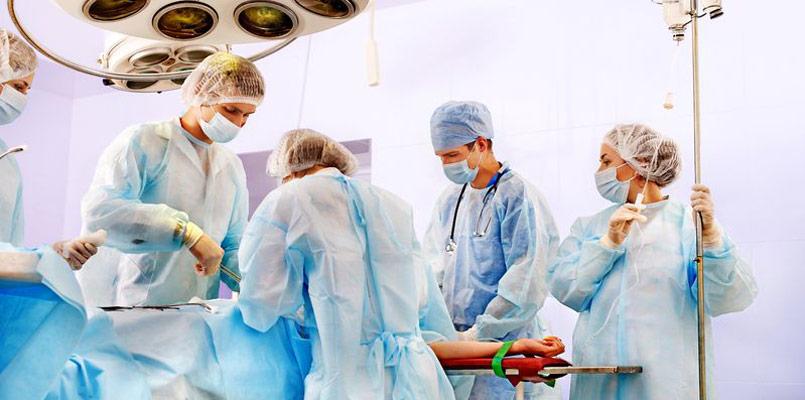 Chirurgen Operation Behandlungsfehler